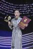 周冬雨获金鸡奖最佳女主角 28岁已成金马金像金鸡三金影后
