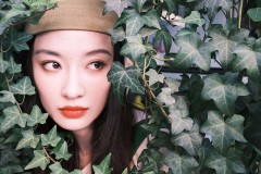 孙佳雨清新发带写真曝光 玩转时髦少女穿搭法则