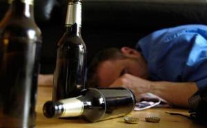 酒精中毒原因是什么 酒精中毒症状有哪些