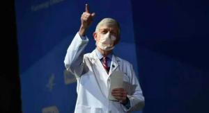 """全球多地一苗难求 美国疫苗还在""""吃灰""""?"""