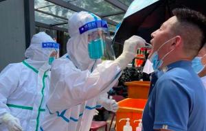 探访郑州疫情防控:正全员核酸检测!