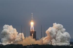 外媒:美防长称无意击落中国火箭残骸
