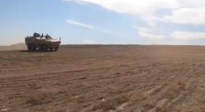 戈壁飞沙!装甲兵西北大漠驾驶训练画面高燃