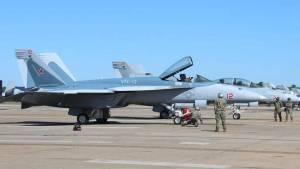 美军F-18换上苏-57涂装,模拟俄军机扮演假想敌