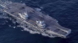 """英航母编队进入南海 专家:中国要准备""""打狗棒"""""""