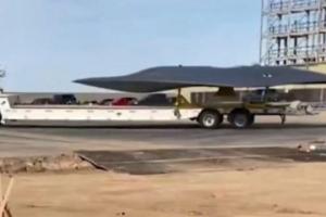 """""""倒扣""""放置的美军未来六代机?怪异飞机曝光"""