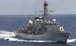 英航母编队护卫舰今天凌晨通过台湾海峡,发推炒作