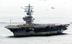 美军航母结束阿富汗任务返回日本,船身锈迹斑斑