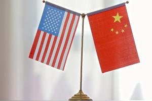 """美国大学教授:美国必须避免把中国当成""""反派"""""""