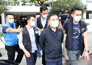 港警国安处拘捕《苹果日报》总编辑等5人