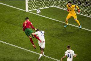 欧洲杯:葡萄牙2-2法国携手出线