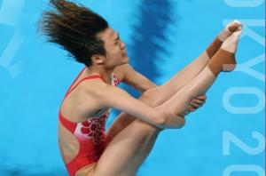 跳水女子3米板施廷懋夺金 王涵获银