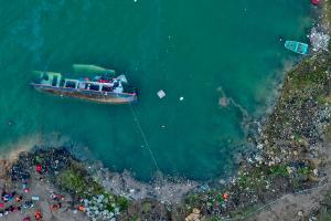 贵州客船侧翻事故已致10人死亡5人失联