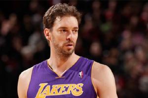 前NBA球星西班牙运动员保罗·加索尔宣布退役