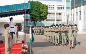 香港海关以全中式步操接受检阅
