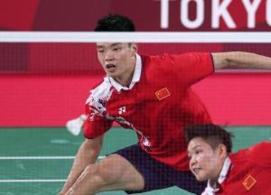 会师!中国羽毛球队提早锁定混双金银牌