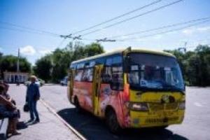 黑龙江黑河:城区公交车恢复营运