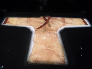 薄如蝉翼、轻若烟的素纱单衣:古代丝织业的奇迹
