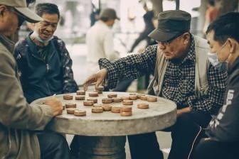 我国将进入中度老龄化阶段,意味着什么?