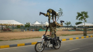 India's border guards perform motorcycle stunts