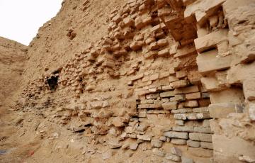 城土不坚,下雨就倒:明英宗如何解决宣府城墙的遗留问题?