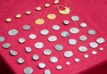 诸王的麦粒:古地中海文明及其银币贸易网