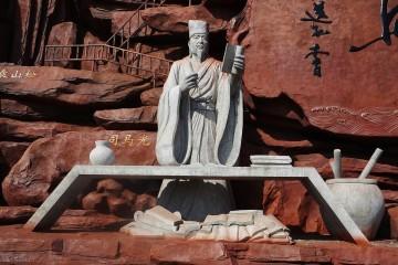 司马光去世前,为何多方打点极力推荐苏轼一路升官?