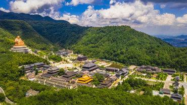 雪窦山佛教协会稳步践行宗教中国化道路