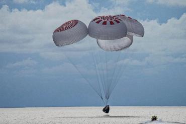 SpaceX全平民機組返回地球