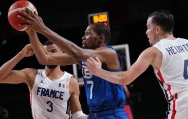 美国男篮首战76:83输法国