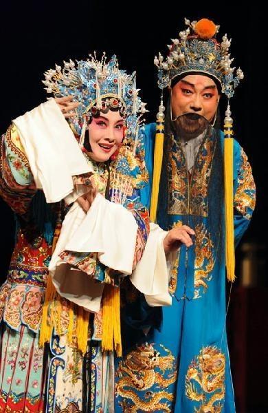 精华版《长生殿》,蔡正仁、张静娴饰演。 解放网 图