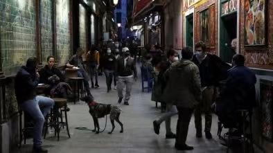 西班牙紧急状态9日将结束 各大区紧急制定防疫措施