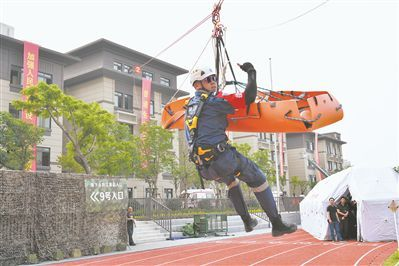 福建省厦门市持续20年举行群众性防空演练