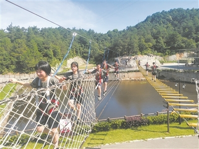湖南省湘潭市中小学校国防教育嵌入军事元素和实践体验