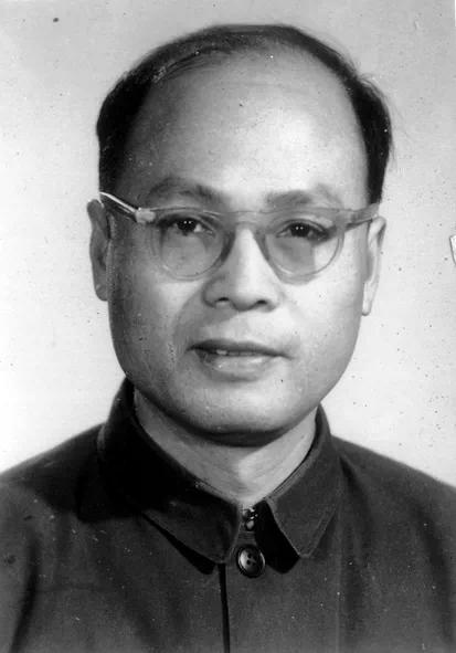 著名数学家教育家 武汉大学原校长齐民友先生逝世