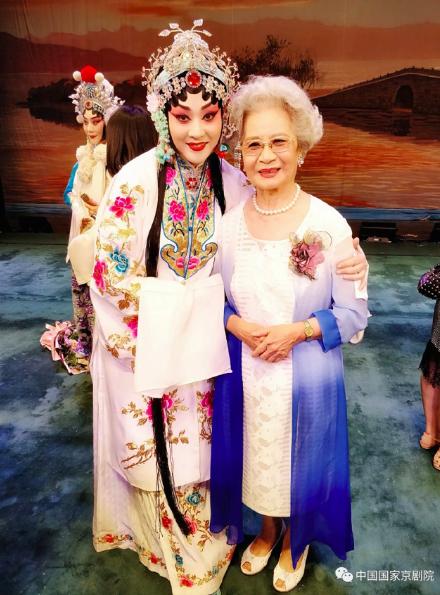 追忆恩师︱弟子王艳:您是峨嵋山上的仙