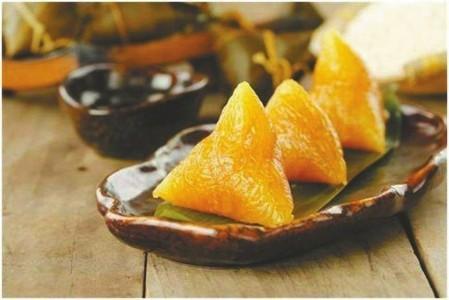 端午节吃粽子的习俗一直流传至今。
