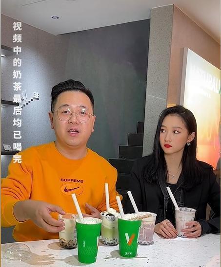 23岁关晓彤升级当老板 宣传时全程黑脸态度差