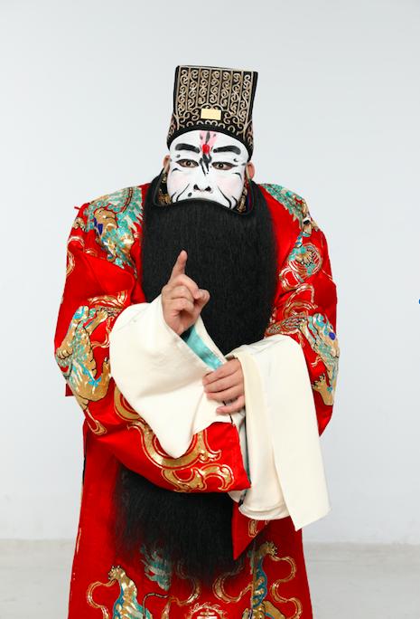 舒桐在京剧《群英会》中的曹操扮相