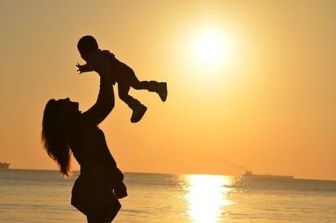 汉思致敬母亲节——母亲是我和世界的胶粘剂