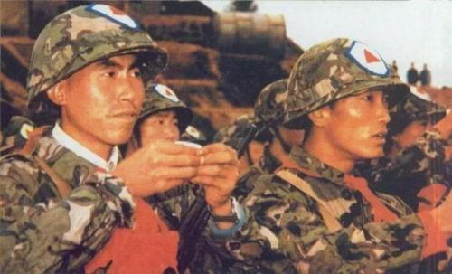 古代中国军队出征前,士兵拿碗喝酒,为何喝完还要摔碗?摔碗是谁起的头