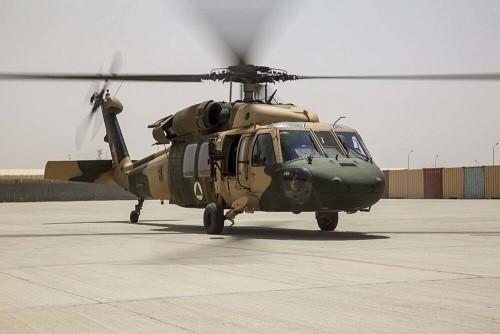 塔利班称击落一架阿富汗直升机,阿方表示无人受伤