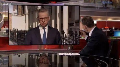 英国内阁办公厅大臣迈克尔·戈夫接受BBC采访为转移民众不满甩锅中国
