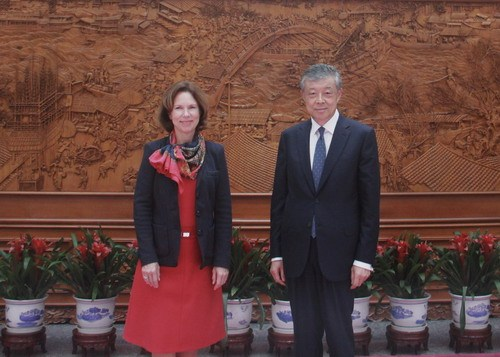 中国朝鲜半岛事务特别代表刘晓明会见英国驻华大使