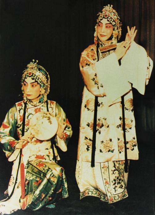 梅兰芳先生和梅葆玖先生戏照