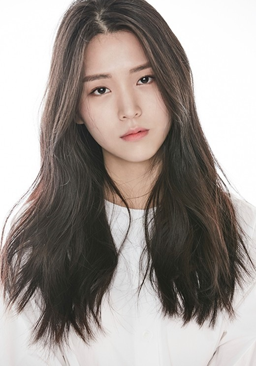 韩国女星金智恩确诊感染新冠 首次检测时曾为阴性