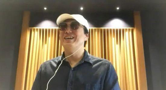 44岁盲人歌手萧煌奇宣布恋情 大方承认有对象