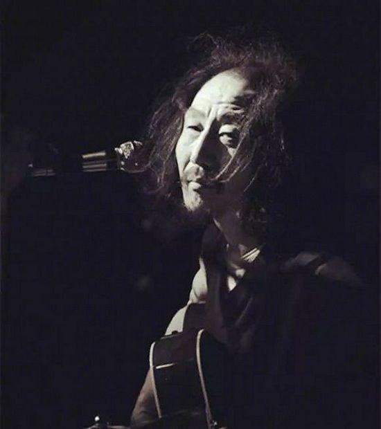 友人曝民谣歌手赵已然去世 曾出专辑《活在1988》