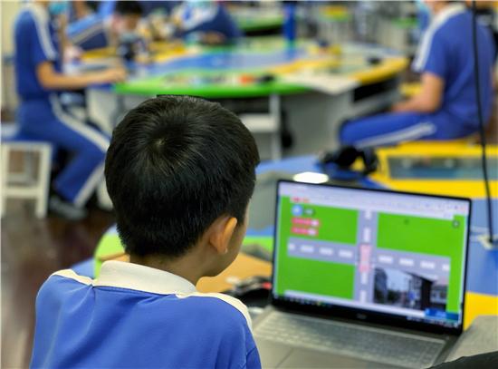 """教小学生""""自动驾驶""""技术 腾讯青少年AI教育承办南山科技节""""智慧交通""""赛事"""