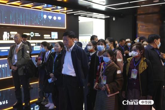 西藏基层干部赴京参观学习班第二期学员参访腾讯北京总部